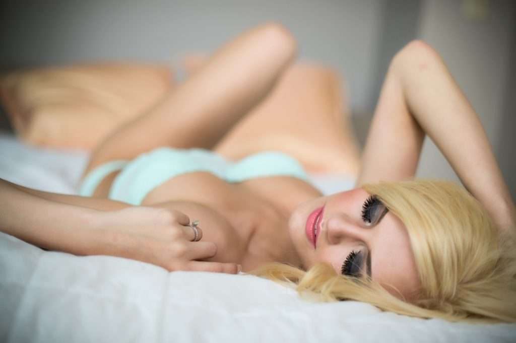 Sutton escorts - attractive blonde